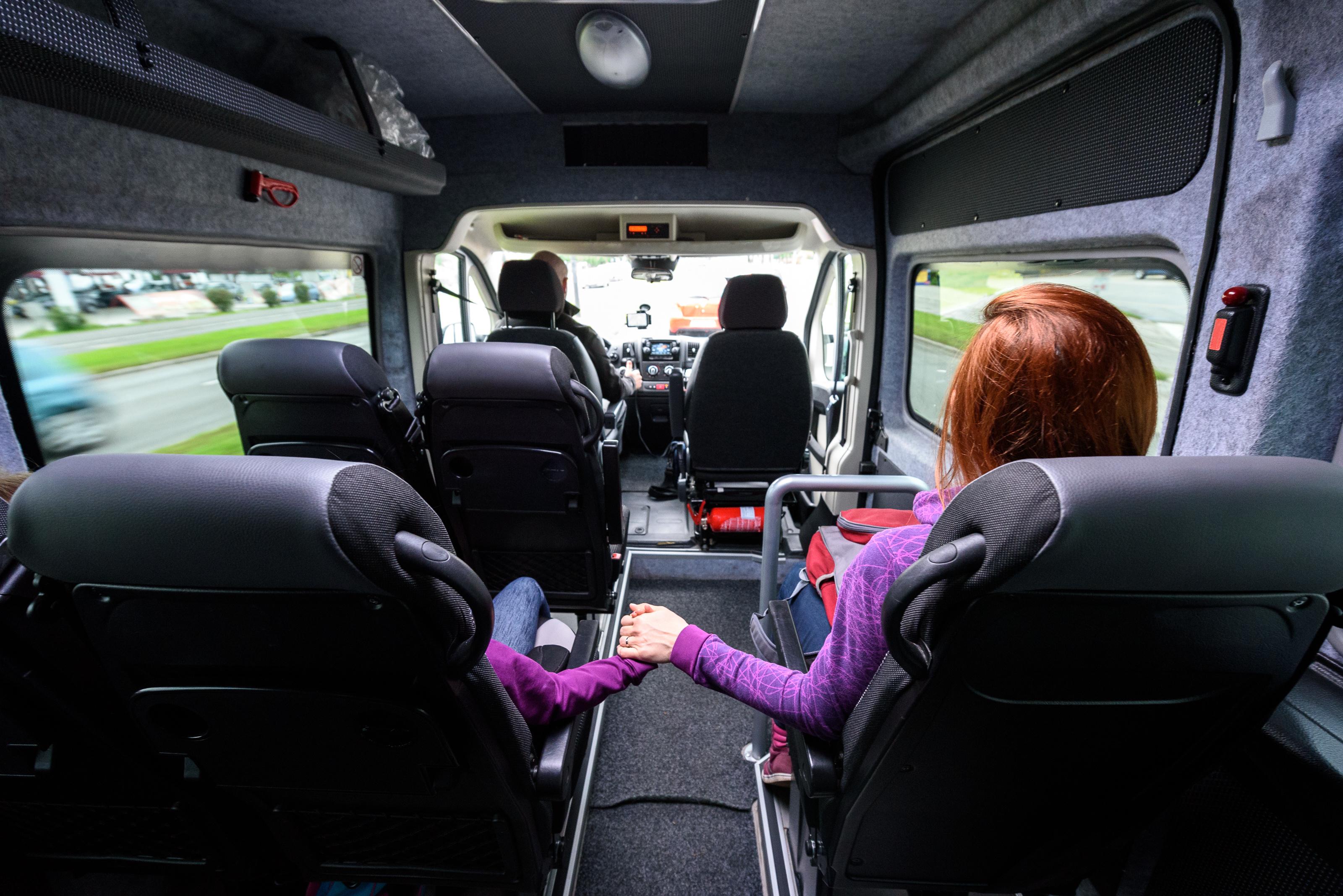 alquiler de minibús y microbús